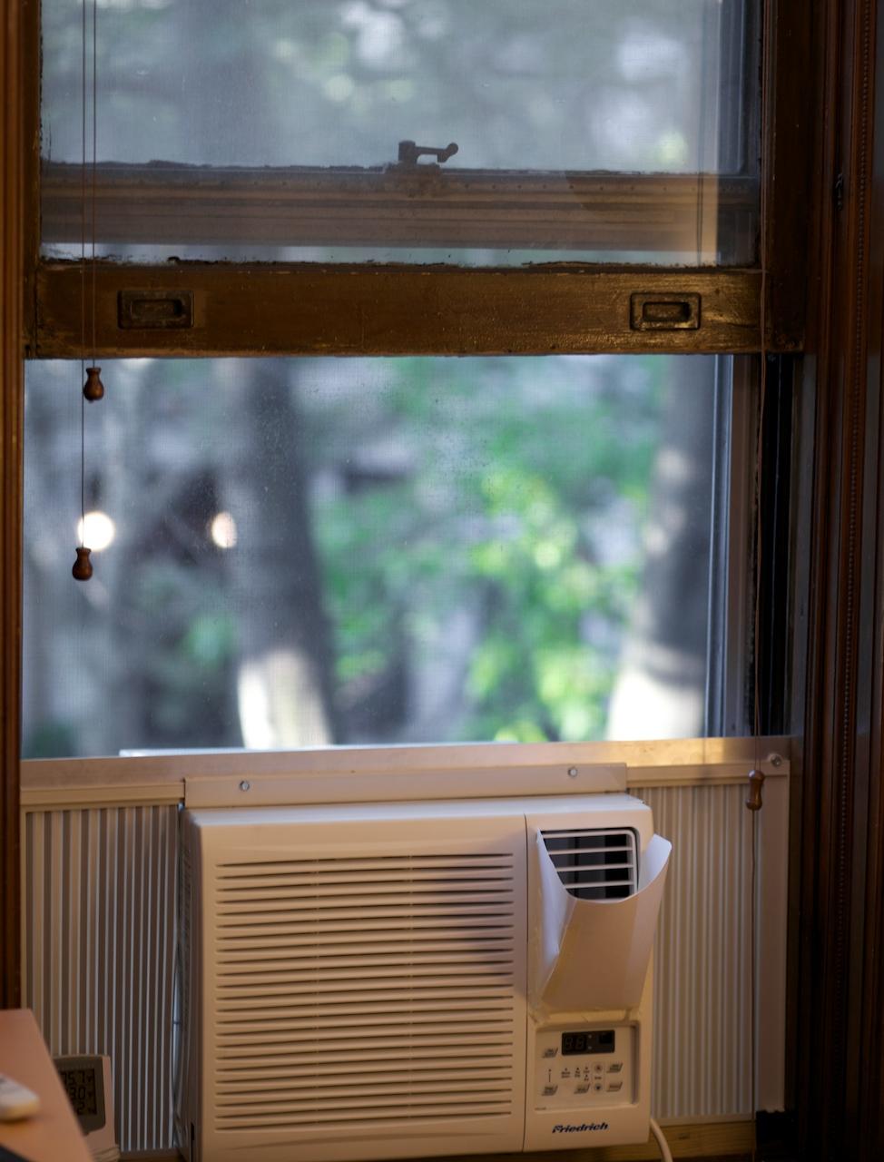 Small Air Conditioner Window Unit